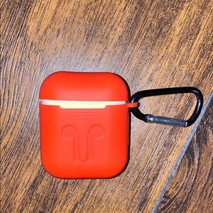 AirPods Charging Case w/ Keychain case